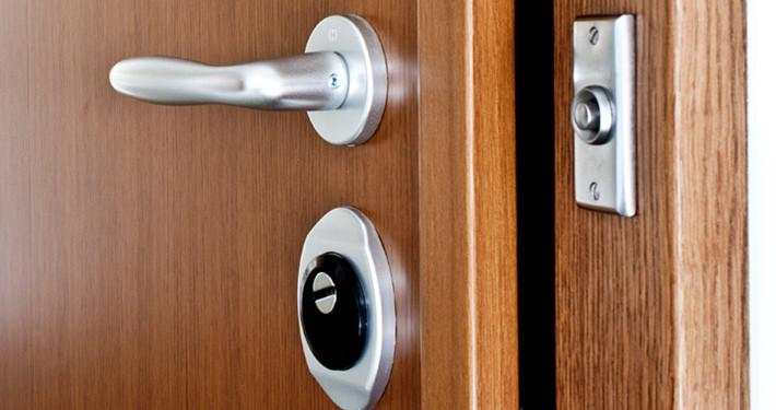 Rostfritt beslag/dörrhandtag till säkerhetsdörr klass 3 och 4