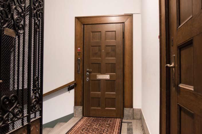 Säkerhetsdörrar klass 4 till lägenhet Östermalm. Dörrar av Ek.